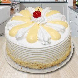 Appealing 2 Kg Vanilla Cake from 3/4 Star Bakery