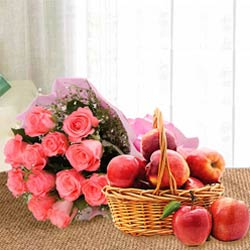Aromatic Pink Roses Bouquet With Fresh Apples Basket