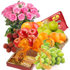 Mouth-Watering Fresh Fruity-Sweety Extravaganza with Rose Bouquet