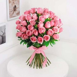 Magnificent Crazy in Love 30 Pink Roses Bouquet