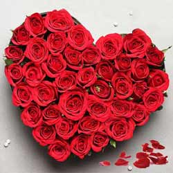 Wonderful Heart Shaped Arrangement of Red Roses