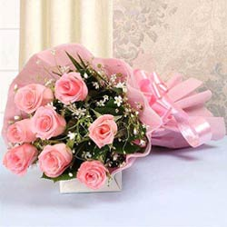 Fragrant Bouquet Arrangement of Pink Color Roses