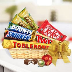 Pleasant Chocoholics Favorite Gift Basket <br>
