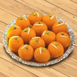 Fabulous Motichur Ladoo 1/2 kg with Warm Love